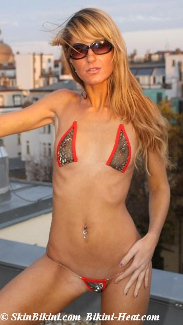 Sexy bikini models in BY-0722R 